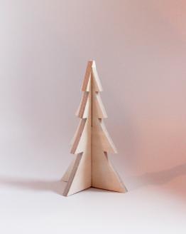 Mellem juletræ i birketræ